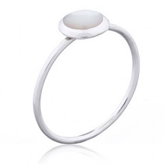 Delicate Mother of Pearl 925 Silver Ring