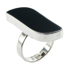 silver-gemstone-rings/extravagant-free-shape-black