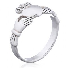 Casted Polished Sterling Silver Claddagh Ring