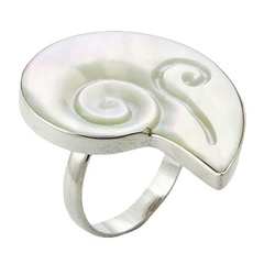Nautilus Shell Shaped Silver Ring With Mother Of Pearl
