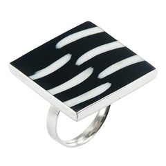 High contrast pattern trendy black white resin polished sterling silver ring