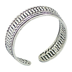 Antiqued ribbed stamped silver toe ring