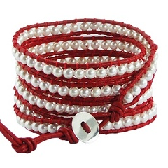 Five rows wrap bracelet with imitation pearls on red leather 3