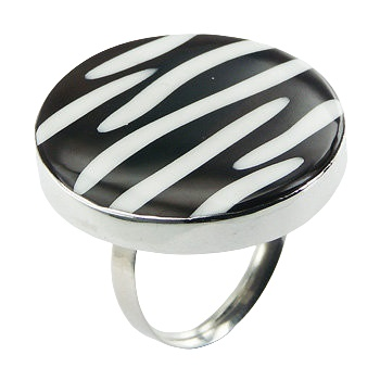 Zebra pattern black shell silver ring